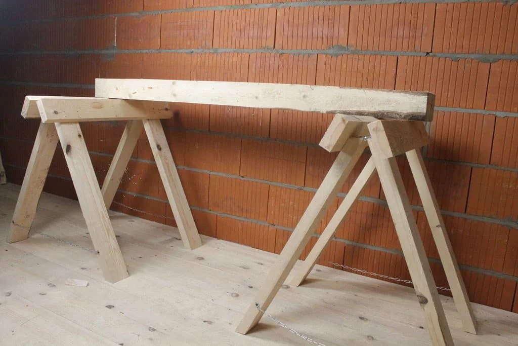 14-Minute Sawhorse Plans