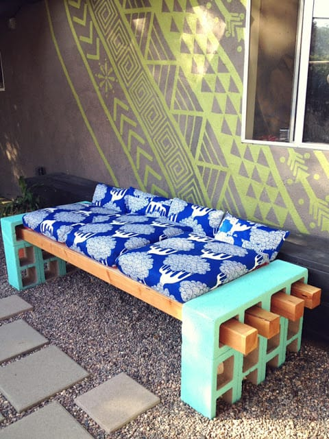 Easy DIY Lounge Bench